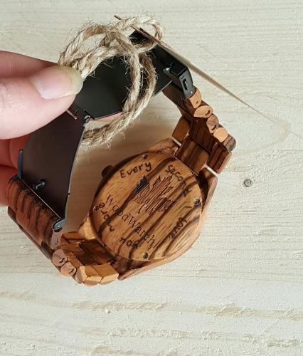houten horloge met gravure